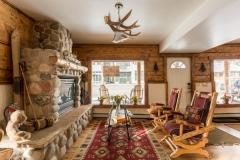 Minturn Inn - Great Room with Street view