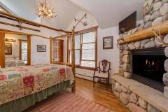 Camphale Room